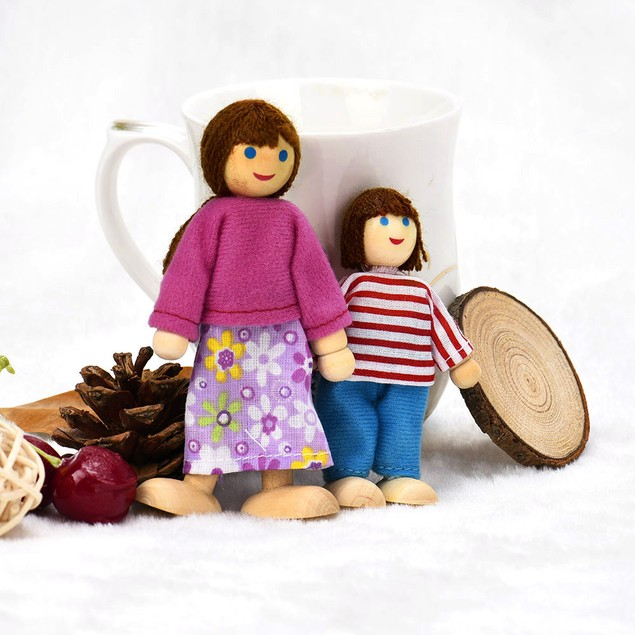 6 Dolls Cartoon Wooden House Family People Kids Children Pretend Play Toy