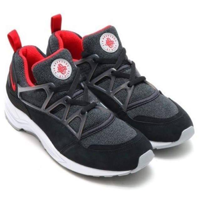 MENS NIKE AIR HUARACHE LIGHT (306127 006) SZ: 6 (24CM)