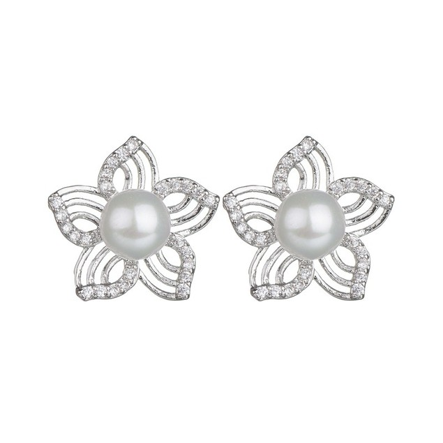 Shell pearl flower stud earrings