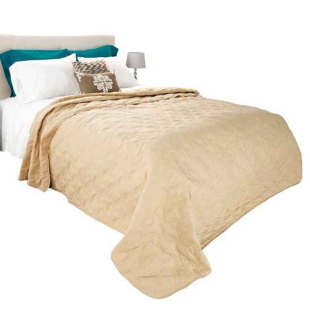 Solid Color Bed Quilt