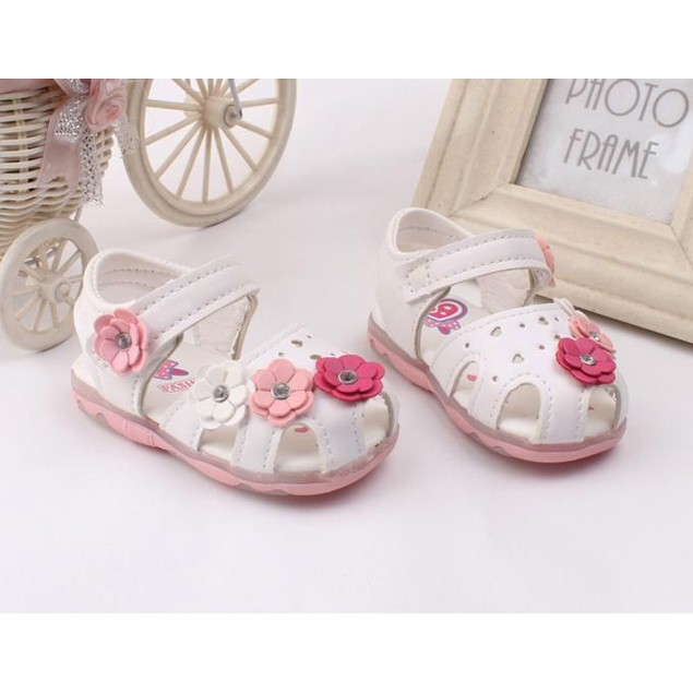 Flowers Girls Sandals Lighted Soft-Soled Princess Baby Shoes