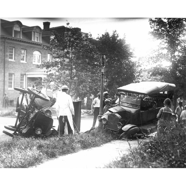 Auto Accident. /Nan Accident Involving Two Ford Model T'S. Poster