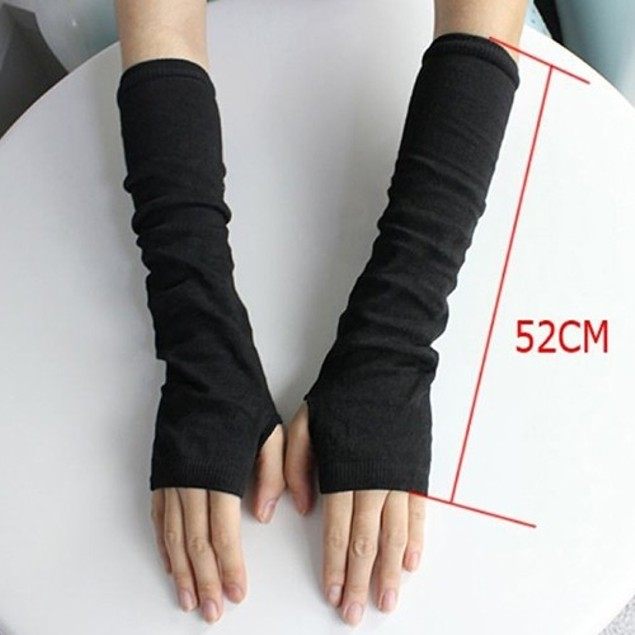 Stylish pair of 2 winter handwarmer /handsocks