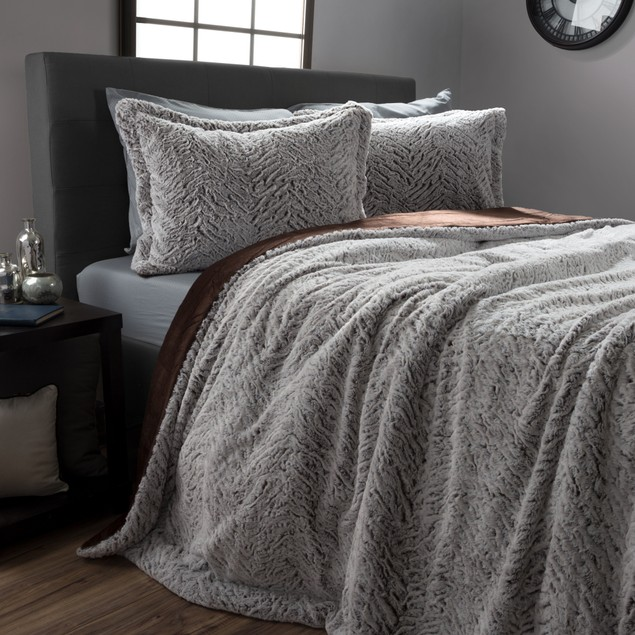 Mink Faux Fur Comforter Set