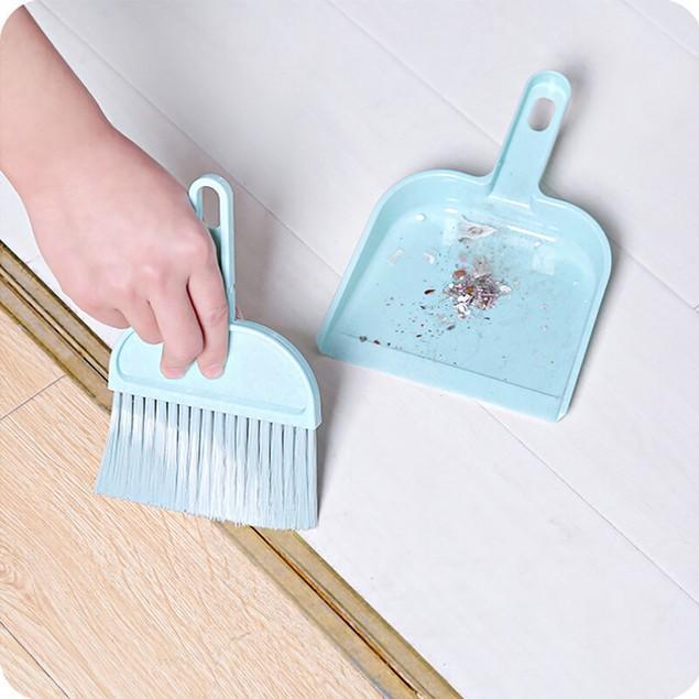 1pc Mini Desktop Sweep Cleaning Brush Small Broom Dustpan Set