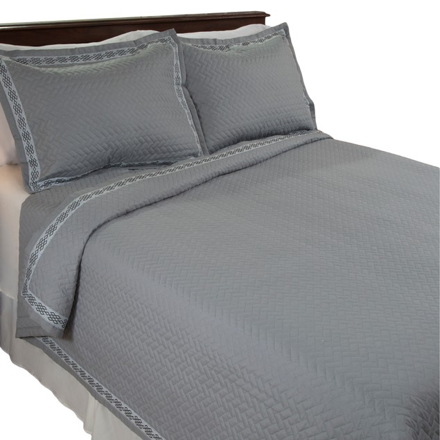 Lavish Home Valencia Embroidered 3 Piece Quilt Set - King