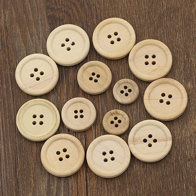 50PCs Wooden Buttons Natural Color Round 4-hole Sewing Scrapbooking DIY