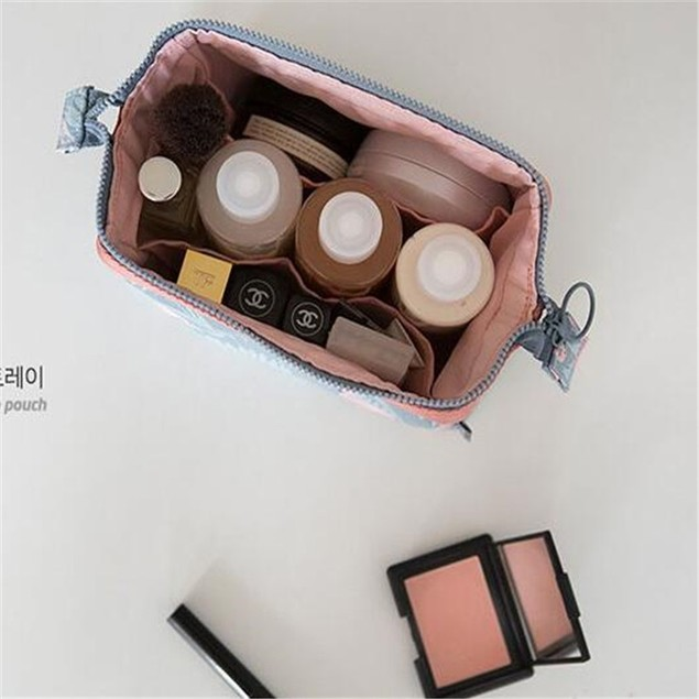 Multifunctional Women's Portable Travel Makeup And Wash Storage Bag