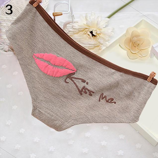 Women Sexy Lip Kiss Me Print Cotton Panties