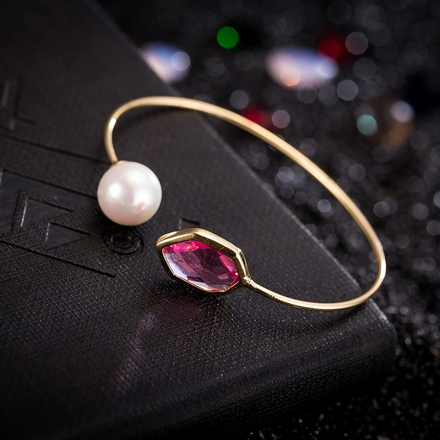 Gold Plated Hectagon Ruby Gem & Pearl Open Ended Bracelet
