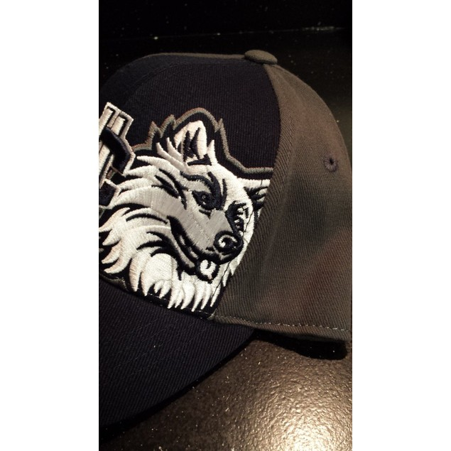 """Uconn Huskies NCAA TOW """"Audible"""" Youth Stretch Fitted Hat New"""