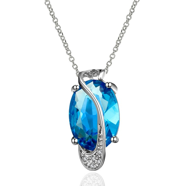 Imitation Sapphire Diamond Shaped Silver Lining Necklace
