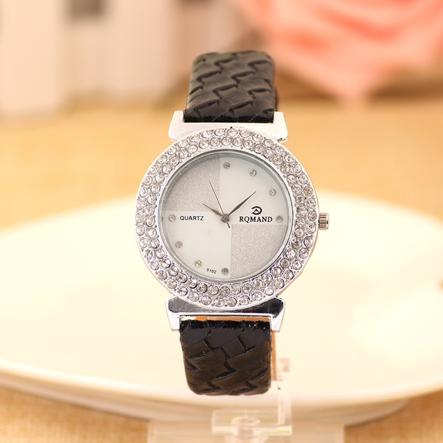 Fishion Ladies Wrist Watch with Crystals