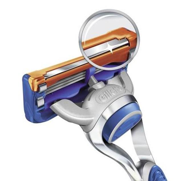 Gillette Fusion ProShield Chill Bundle