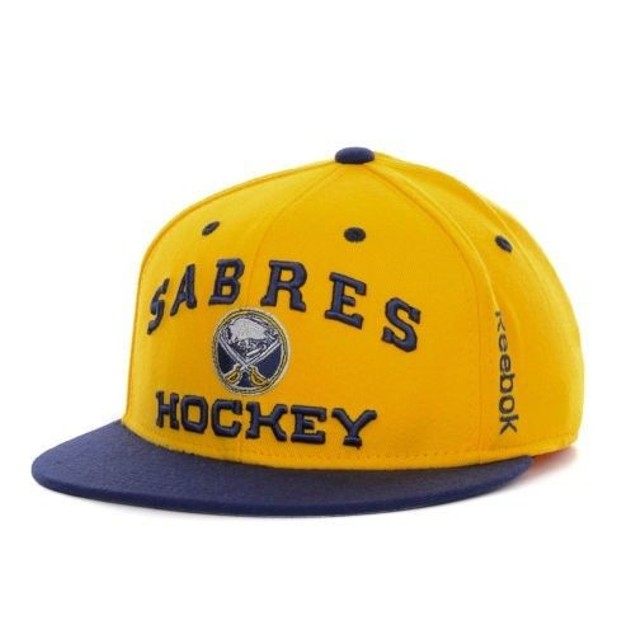 """Buffalo Sabres NHL Reebok """"Center Ice"""" Flat Bill Stretch Fitted Hat"""
