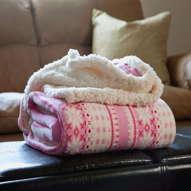 Lavish Home Fleece Sherpa Throw - Pink Snowflakes